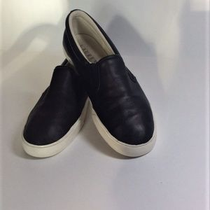 Ralph Lauren Lauren Slip on Sneaker in Ceder sz 9